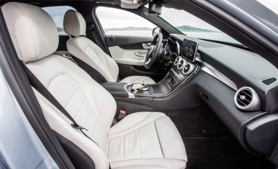 2016-Mercedes-Benz-C350e-gallery